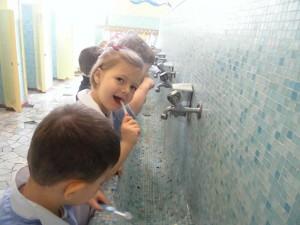 Impariamo a lavare bene i denti